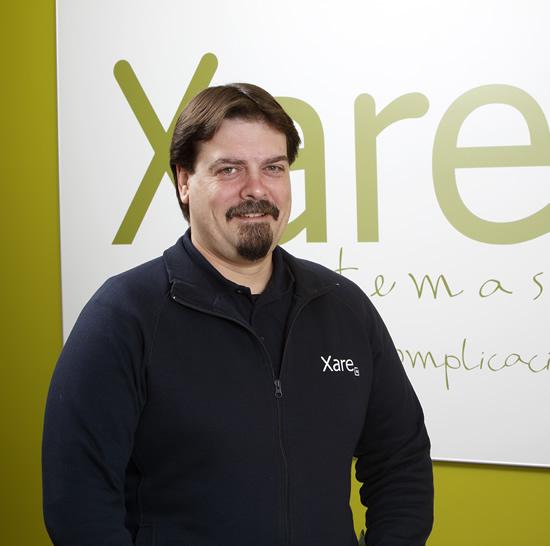 Técnico de redes y atención al cliente en Xare Sistemas, escuchamos tus necesidades y resolvemos tus problemas con la informática