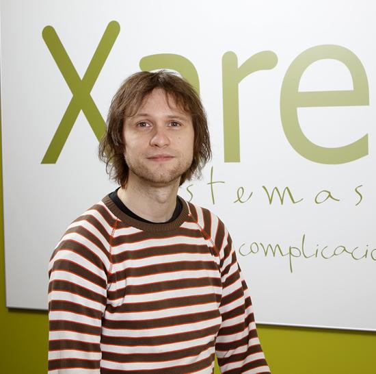 Xare Sistemak enpresako programatzailea; webgune eta ERParako neurrira egindako programazioa Donostian